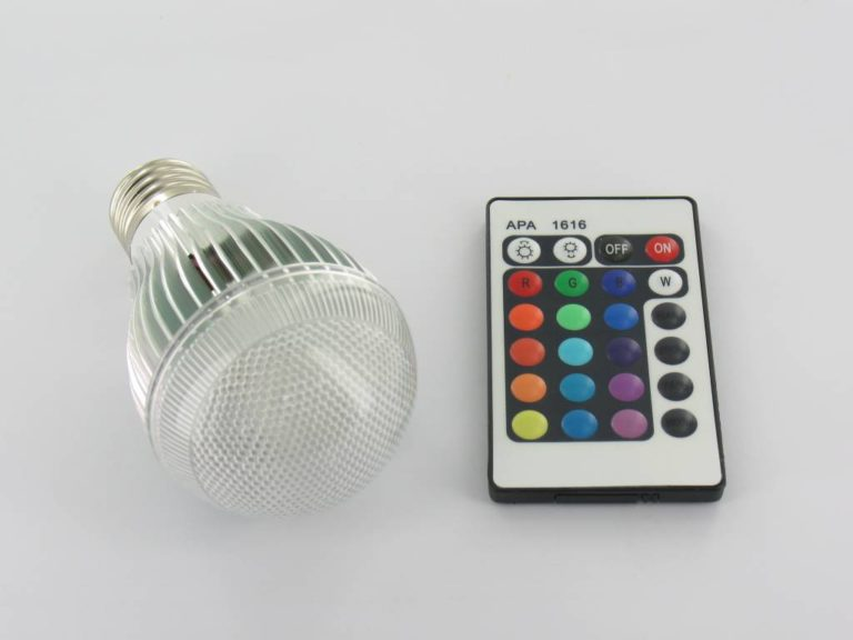 9 Watt RGB LED bulb 'E27 with IR Remote Control